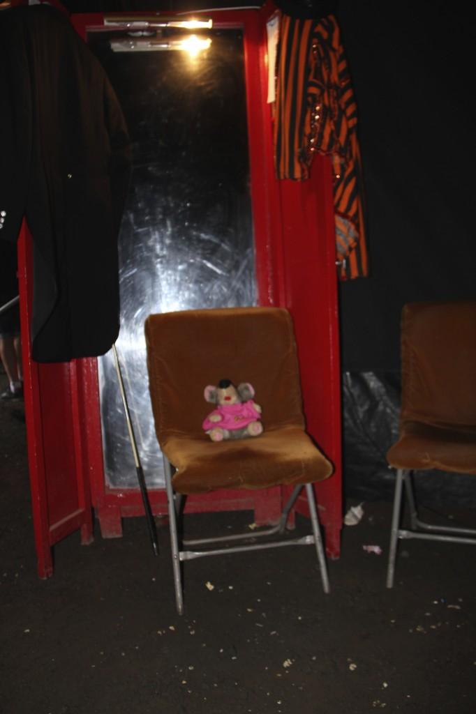 VV stol backstage